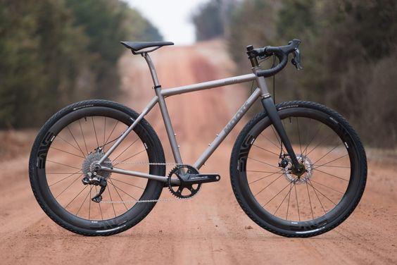 Zoom sur le vélo Gravel