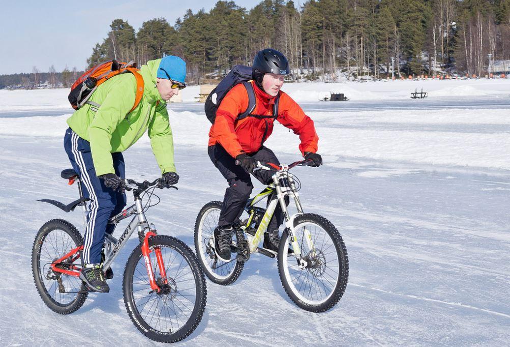 comment faire des courses de vélo sur glace