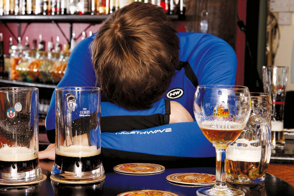 Peut-on boire de l'alcool après l'entraînement, oui ou non ?