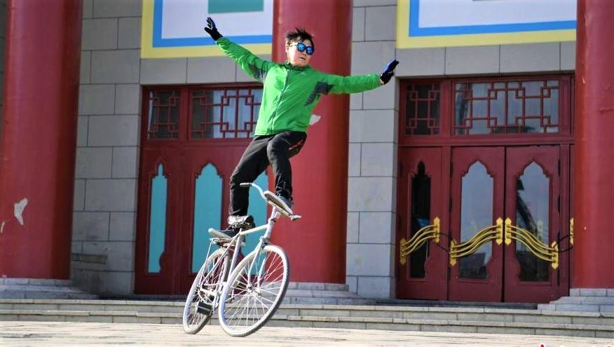 Les acrobaties vélo